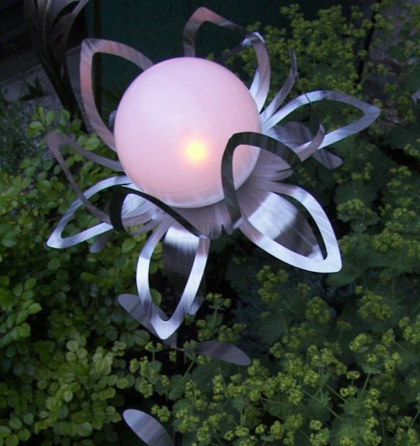 Lampe Solaire Exterieur Design #14: Lampe Solaire Du0027art Fleur Gloria ...