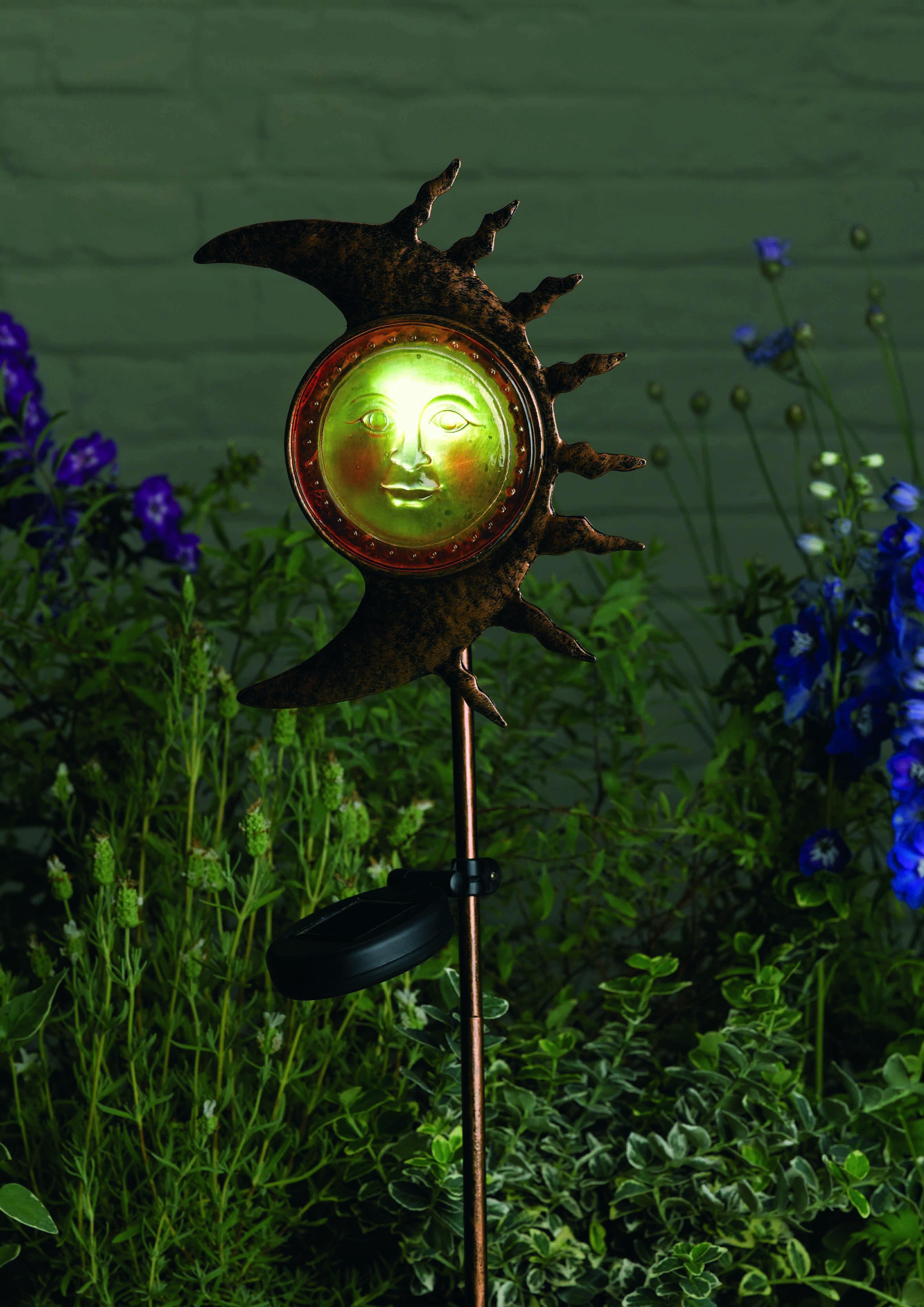 lune solaire sur tige lampe d coration solaire objetsolaire. Black Bedroom Furniture Sets. Home Design Ideas