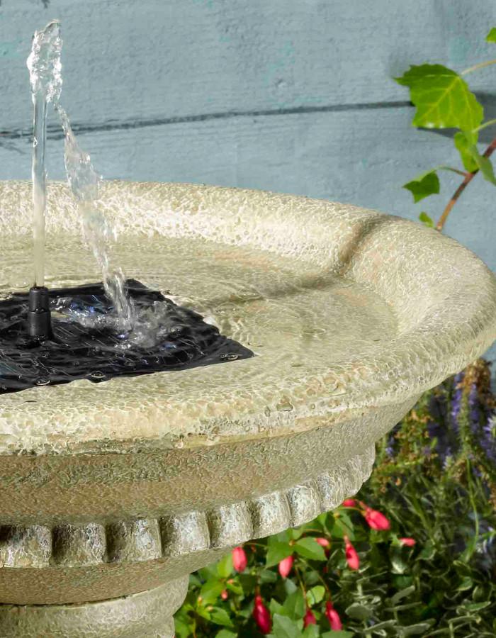 fontaine solaire bain d 39 oiseaux winch avec batterie fontaines solaires objetsolaire. Black Bedroom Furniture Sets. Home Design Ideas