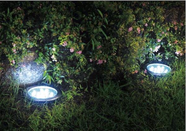 spot solaire encastrable sol puissant 8 leds eclairage solaire puissant objetsolaire. Black Bedroom Furniture Sets. Home Design Ideas