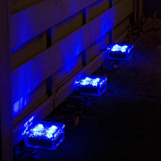 Pav solaire en verre 4 led bleu pav s spots solaires for Spot led bleu exterieur