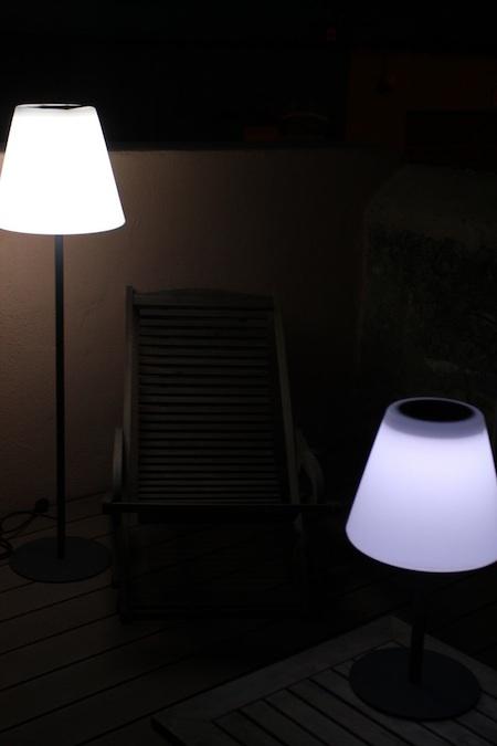 lampe solaire de terrasse sur pied arte eclairage solaire terrasse objetsolaire. Black Bedroom Furniture Sets. Home Design Ideas