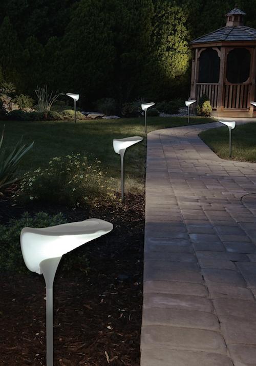 lampe solaire design futuriste balise borne solaire. Black Bedroom Furniture Sets. Home Design Ideas