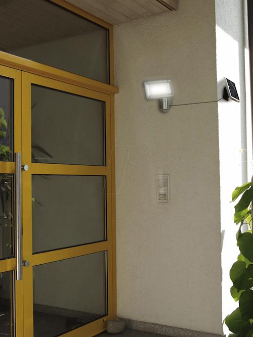 projecteur solaire puissant 350 lumens aluminium. Black Bedroom Furniture Sets. Home Design Ideas