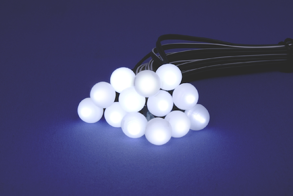 guirlande solaire 48 boules blanches 13m guirlandes. Black Bedroom Furniture Sets. Home Design Ideas
