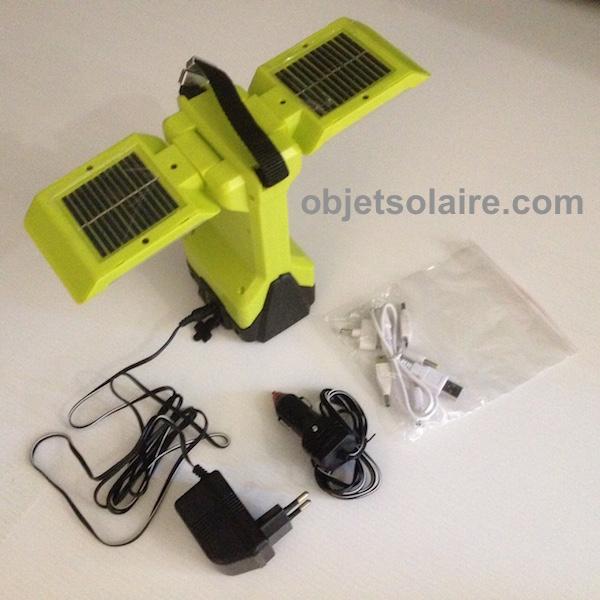 Lanterne solaire puissante nomade orientable 200 lumens for Spot solaire 200 lumens