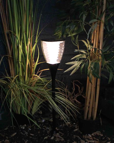 Lampe solaire puissante julia 2 eclairage solaire puissant objetsolaire - Lampe solaire jardin puissante ...