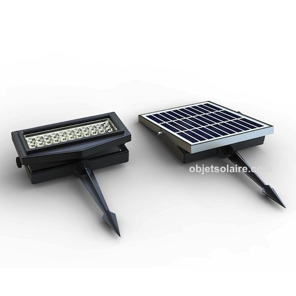 projecteur solaire puissant rgb ip 65 300 lumens zs ll2. Black Bedroom Furniture Sets. Home Design Ideas