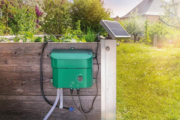 Arrosage solaire kit arrosage solaire automatique jardin solaire objets - Arrosage de jardin automatique ...