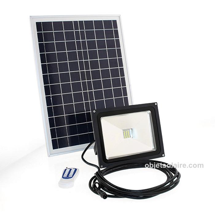 projecteur solaire puissant led 10 w 700 lumens timer t lecommande zs 245t projecteurs. Black Bedroom Furniture Sets. Home Design Ideas