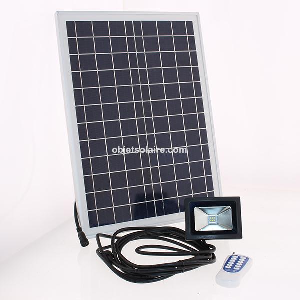 projecteur solaire puissant led 6 w 500 lumens timer. Black Bedroom Furniture Sets. Home Design Ideas