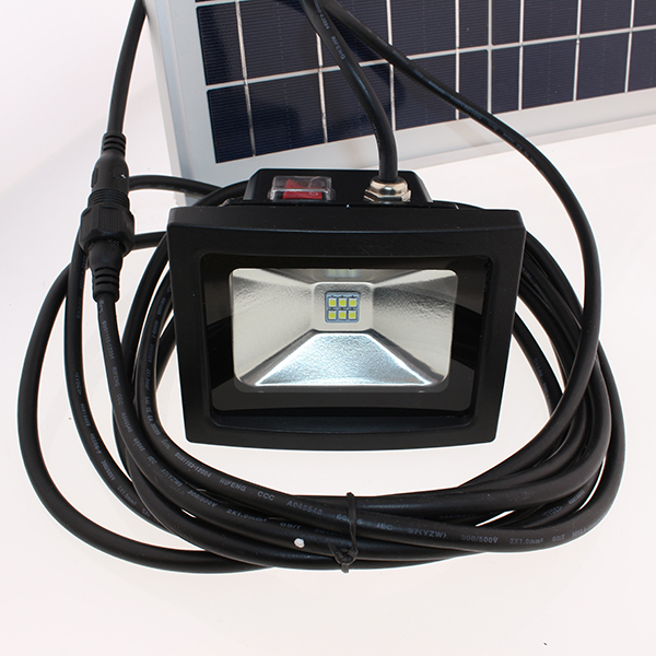 Projecteur solaire puissant led 6 w 500 lumens timer - Projecteur led puissant ...