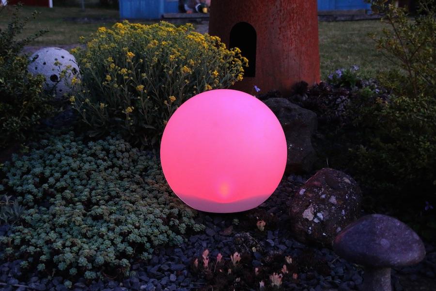 boule solaire rgb 30 cm multicolore t l command e balise boule solaire objetsolaire. Black Bedroom Furniture Sets. Home Design Ideas