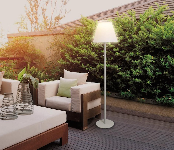 lampe solaire de terrasse sur pied arte eclairage. Black Bedroom Furniture Sets. Home Design Ideas