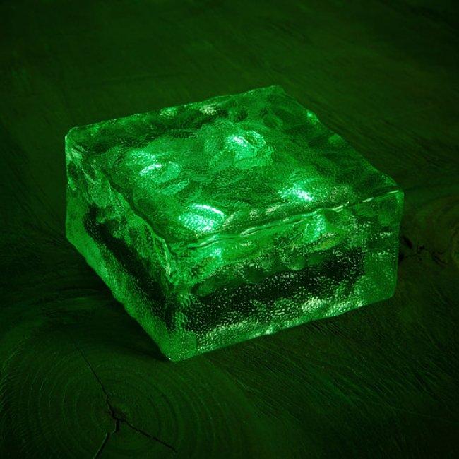 pav solaire verre 4 leds vert pav s spots solaires encastrables objetsolaire. Black Bedroom Furniture Sets. Home Design Ideas