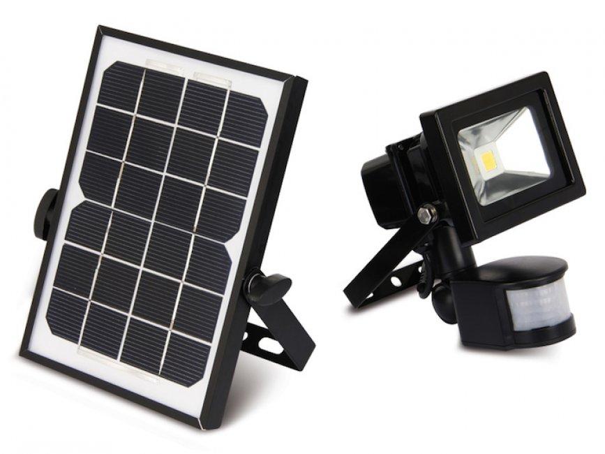 projecteur solaire puissant 10 w zs 10 projecteurs solaires objetsolaire. Black Bedroom Furniture Sets. Home Design Ideas
