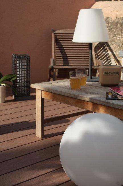 lampe solaire de table poser arte lampe solaire table. Black Bedroom Furniture Sets. Home Design Ideas