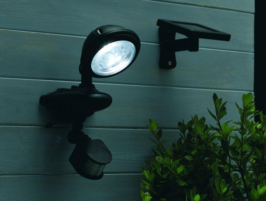 spot solaire d tecteur de mouvement puissant 3 leds spot solaire objetsolaire. Black Bedroom Furniture Sets. Home Design Ideas