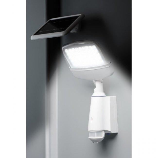 projecteur solaire puissant mate secure pro eclairage solaire puissant objetsolaire. Black Bedroom Furniture Sets. Home Design Ideas