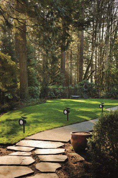 Spot solaire de jardin piquet nave 15 lumens spot - Spot de jardin solaire ...