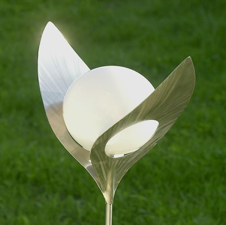 Lampe d\'art solaire pétale de fleur Régina Inox - lampes solaires ...