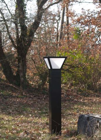 Borne solaire puissante gariotte eclairage solaire Lampe de jardin solaire puissante