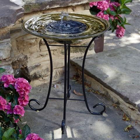 fontaine solaire bain d 39 oiseaux celte fontaines solaires jardin objetsolaire. Black Bedroom Furniture Sets. Home Design Ideas