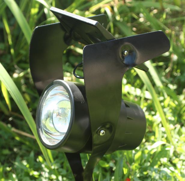 eclairage de jardin solaire spot-solaire-jardin-eclairage-solaire-lampes-objetsolaire