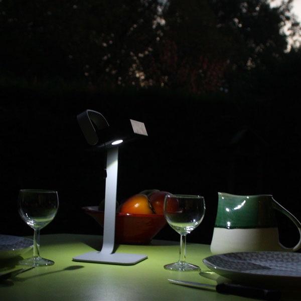 lampe solaire de table poser easywatt lampe solaire table objets solaires. Black Bedroom Furniture Sets. Home Design Ideas