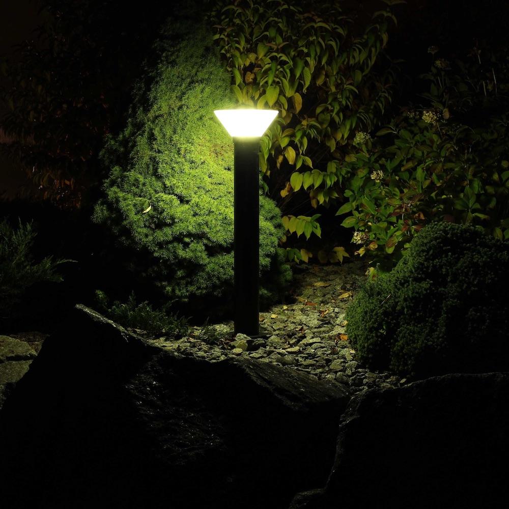 borne solaire puissante orlando 90 280 lumens eclairage solaire puissant objetsolaire. Black Bedroom Furniture Sets. Home Design Ideas