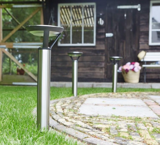 Borne solaire led perpignan 25 lumens bornes balises for Borne solaire jardin