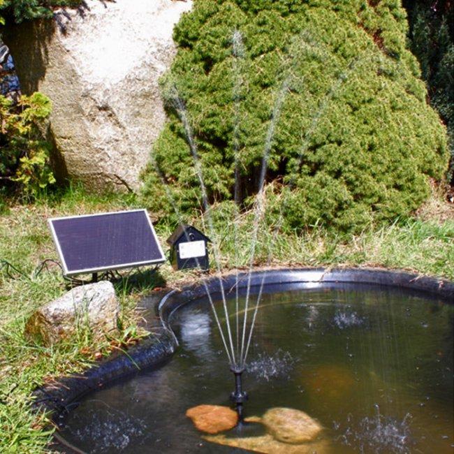 pompe fontaine solaire de bassin batterie led rgb 250l jet d 39 eau solaire objetsolaire. Black Bedroom Furniture Sets. Home Design Ideas