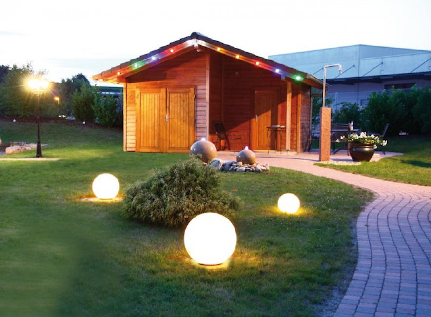 boule solaire de jardin 2 led osram 250 mm boules solaires balisage objetsolaire. Black Bedroom Furniture Sets. Home Design Ideas