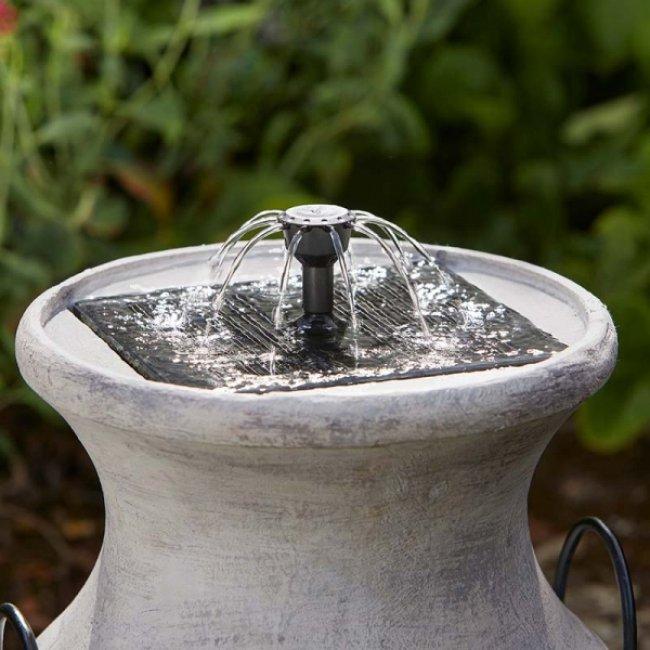 fontaine solaire pot lait fontaines solaires photovolta ques autonomes jardin objetsolaire. Black Bedroom Furniture Sets. Home Design Ideas