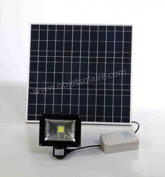 projecteur solaire projecteur solaire puissant objetsolaire. Black Bedroom Furniture Sets. Home Design Ideas