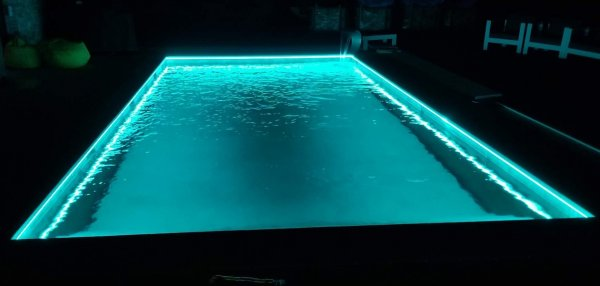 kit-ruban-led-piscine-professionnel-objetsolaire